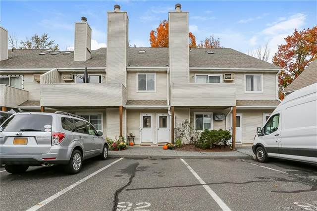 136 Pembroke Road #92, Danbury, CT 06811 (MLS #170349058) :: Michael & Associates Premium Properties | MAPP TEAM