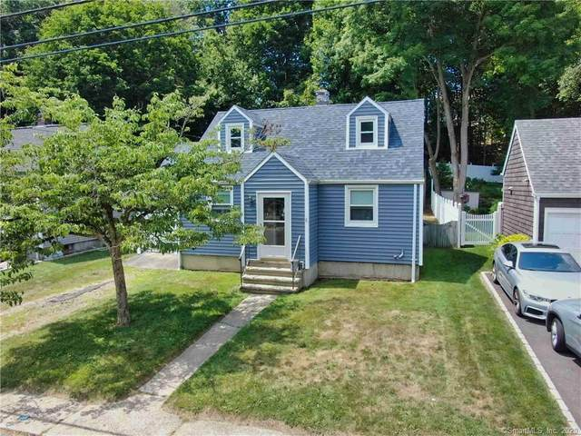 8 Bartlett Manor, Norwalk, CT 06850 (MLS #170349423) :: Around Town Real Estate Team