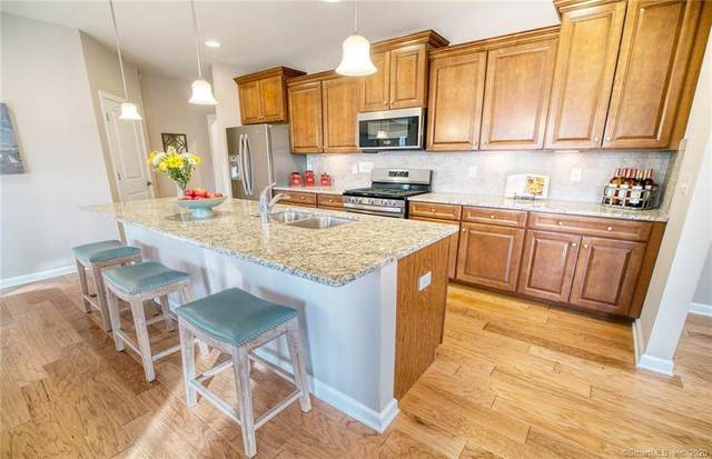 728 Championship Drive #92, Oxford, CT 06478 (MLS #170349551) :: Around Town Real Estate Team
