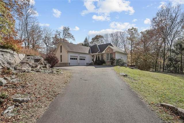 10 Tiffany Lane, Weston, CT 06883 (MLS #170350193) :: Team Feola & Lanzante | Keller Williams Trumbull