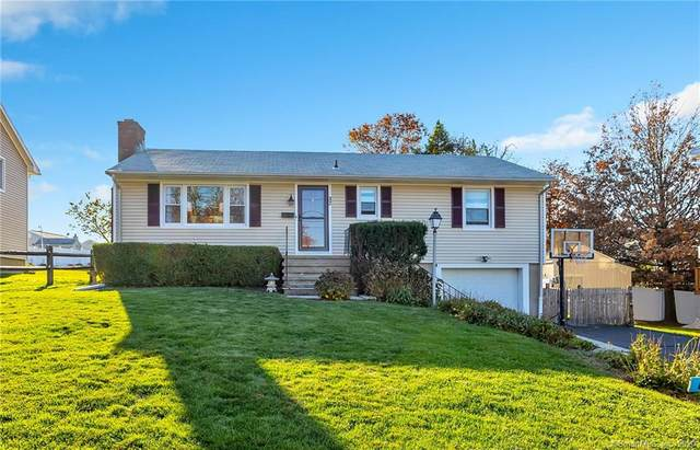 32 Heather Lane, Norwalk, CT 06851 (MLS #170354633) :: Around Town Real Estate Team