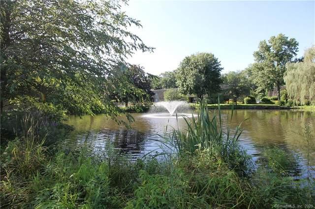 19 Ledgebrook Drive #19, Norwalk, CT 06854 (MLS #170356827) :: Kendall Group Real Estate | Keller Williams