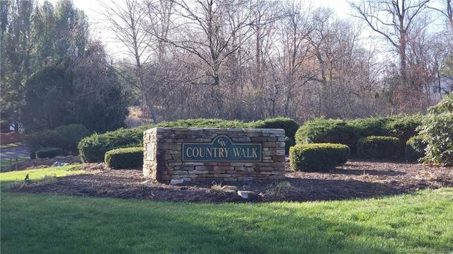48 Country Walk #48, Shelton, CT 06484 (MLS #170357546) :: Team Feola & Lanzante | Keller Williams Trumbull