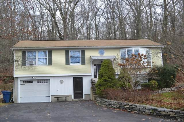 553 Mohegan Avenue Parkway, Waterford, CT 06375 (MLS #170358158) :: Around Town Real Estate Team