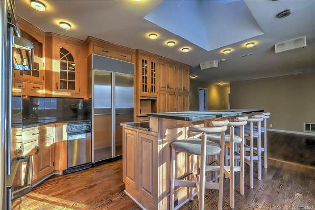 759 Deer Run Lane, Orange, CT 06477 (MLS #170361594) :: Carbutti & Co Realtors