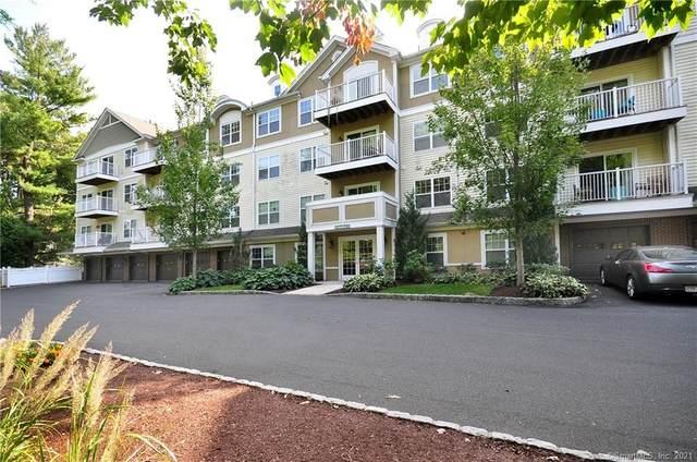 26 Schoolhouse Drive #206, West Hartford, CT 06110 (MLS #170362634) :: Around Town Real Estate Team