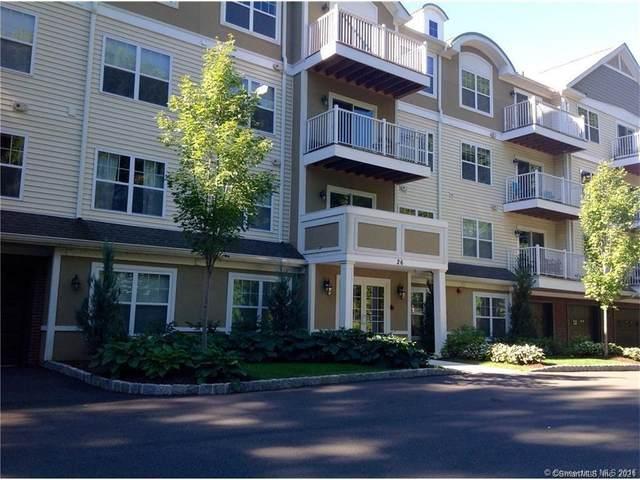 26 Schoolhouse Drive #202, West Hartford, CT 06110 (MLS #170363685) :: Around Town Real Estate Team