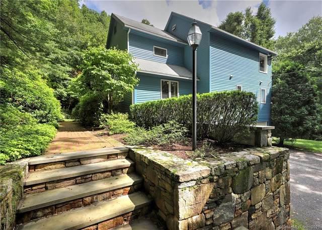 32 Crestview Drive, Woodbridge, CT 06525 (MLS #170363943) :: Around Town Real Estate Team