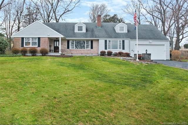 5 Raymond Lane, Norwalk, CT 06855 (MLS #170366770) :: Frank Schiavone with William Raveis Real Estate