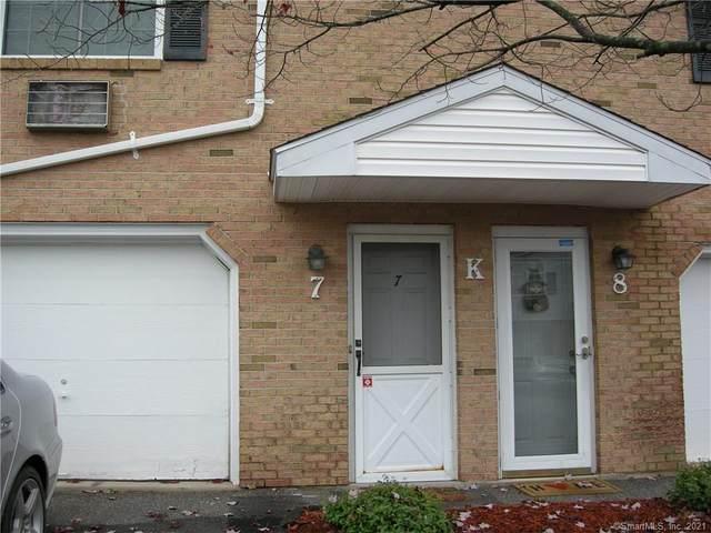24 Blueridge Drive K7, Waterbury, CT 06704 (MLS #170368082) :: Carbutti & Co Realtors