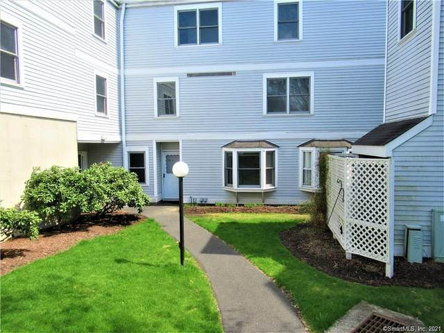 55 Mill Plain Road 34-2, Danbury, CT 06811 (MLS #170368323) :: Around Town Real Estate Team