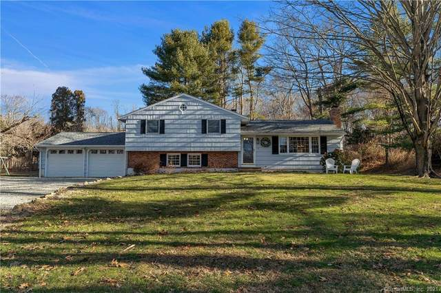 17 Hunters Trail, Madison, CT 06443 (MLS #170368380) :: Galatas Real Estate Group