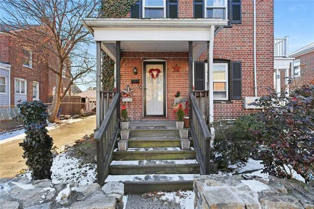 95 Roanoke Avenue, Fairfield, CT 06824 (MLS #170368591) :: Around Town Real Estate Team