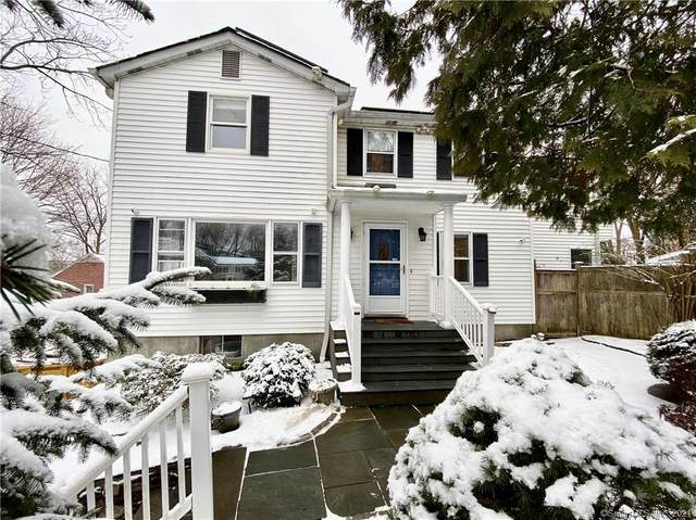 8 Sickle Bar Lane, Greenwich, CT 06878 (MLS #170368875) :: Carbutti & Co Realtors