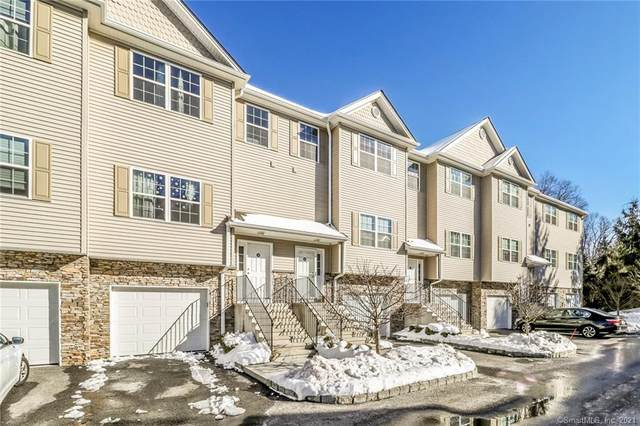 20 Riverview Court #20, Brookfield, CT 06804 (MLS #170369585) :: Tim Dent Real Estate Group