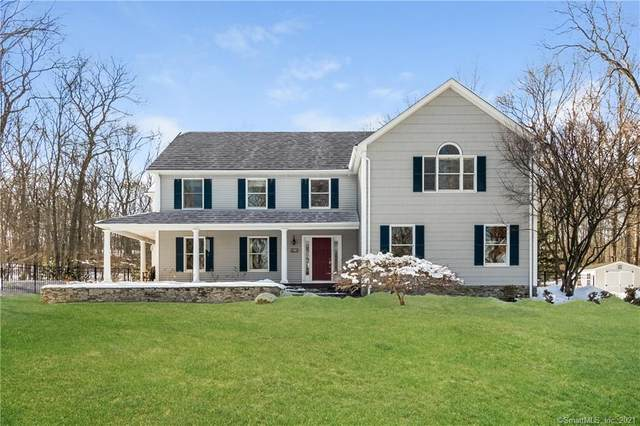 11 Tanglewood Drive, East Lyme, CT 06333 (MLS #170370142) :: Carbutti & Co Realtors