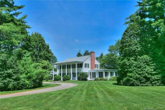 11 Old Farm Road, Darien, CT 06820 (MLS #170373425) :: Spectrum Real Estate Consultants