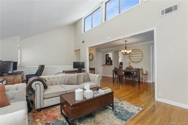 2 Cypress Lane, Ridgefield, CT 06877 (MLS #170373538) :: Tim Dent Real Estate Group