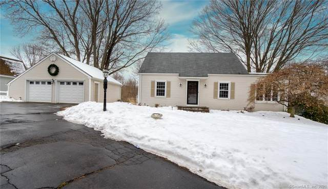 1562 Country Club Road, Middletown, CT 06457 (MLS #170374000) :: Spectrum Real Estate Consultants