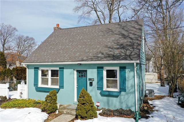 18 Field Street, New Haven, CT 06515 (MLS #170374420) :: Carbutti & Co Realtors