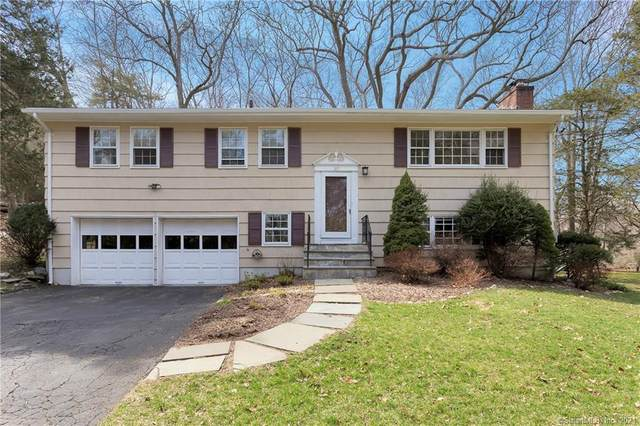 95 Hemlock Drive, Stamford, CT 06902 (MLS #170374498) :: Spectrum Real Estate Consultants