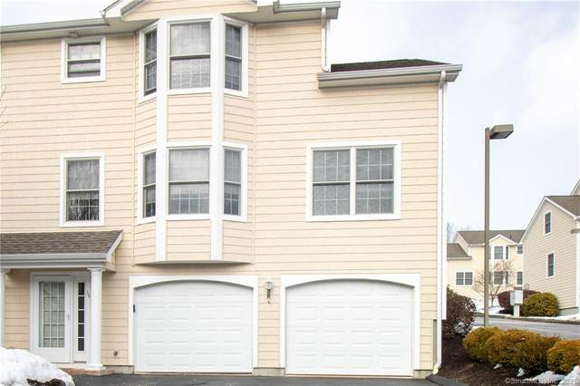 16 Parkwoods Drive #16, Norwich, CT 06360 (MLS #170374605) :: Carbutti & Co Realtors