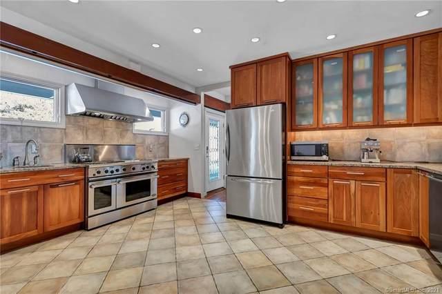 55 Yowago Avenue, Branford, CT 06405 (MLS #170375601) :: Carbutti & Co Realtors