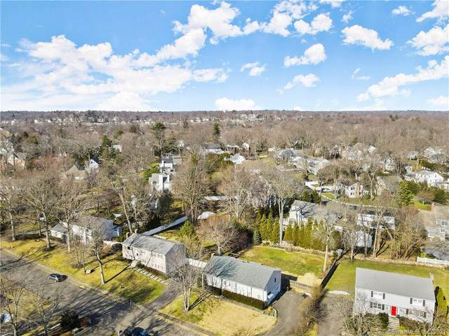 43 Coachlamp Lane, Darien, CT 06820 (MLS #170375873) :: Forever Homes Real Estate, LLC
