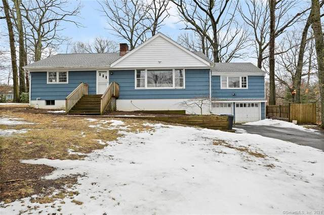 10 Steppingstone Place, Norwalk, CT 06850 (MLS #170377052) :: The Higgins Group - The CT Home Finder
