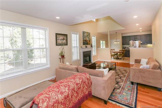 4 Marble Faun Lane #4, Windsor, CT 06095 (MLS #170378004) :: Spectrum Real Estate Consultants