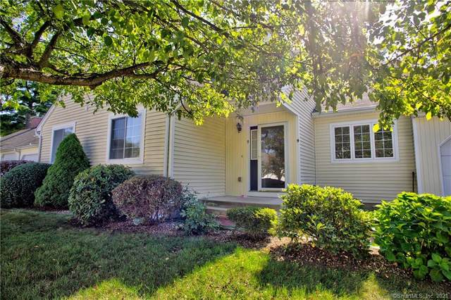 9 Mohegan Square #9, Mansfield, CT 06250 (MLS #170378332) :: Around Town Real Estate Team