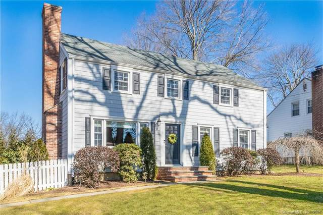 31 Lynn Court, Darien, CT 06820 (MLS #170378524) :: Spectrum Real Estate Consultants