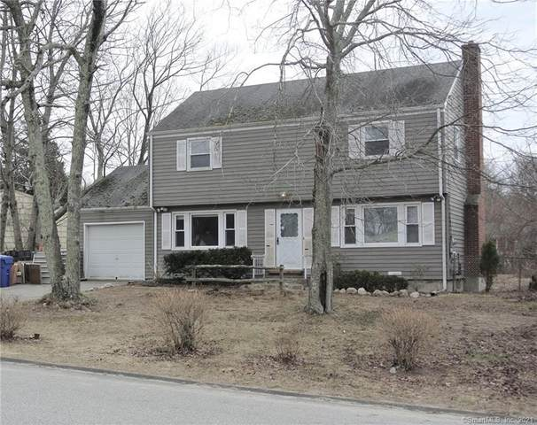 4 Hickory Drive, Montville, CT 06370 (MLS #170380799) :: Carbutti & Co Realtors