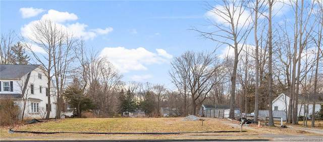 447 Stratfield Road, Fairfield, CT 06825 (MLS #170381131) :: Frank Schiavone with William Raveis Real Estate