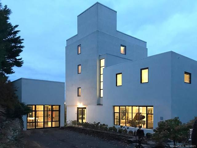 150 Deepwood Drive, Hamden, CT 06517 (MLS #170381654) :: Spectrum Real Estate Consultants