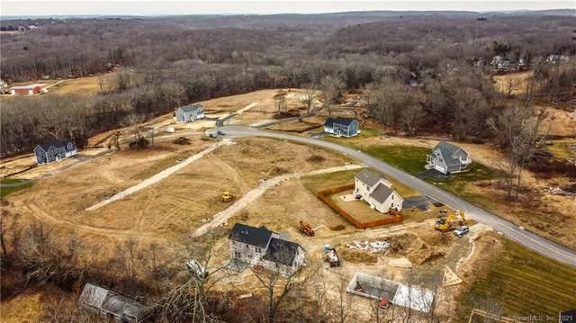 17 Quakertown Meadows, Ledyard, CT 06339 (MLS #170382534) :: Kendall Group Real Estate | Keller Williams