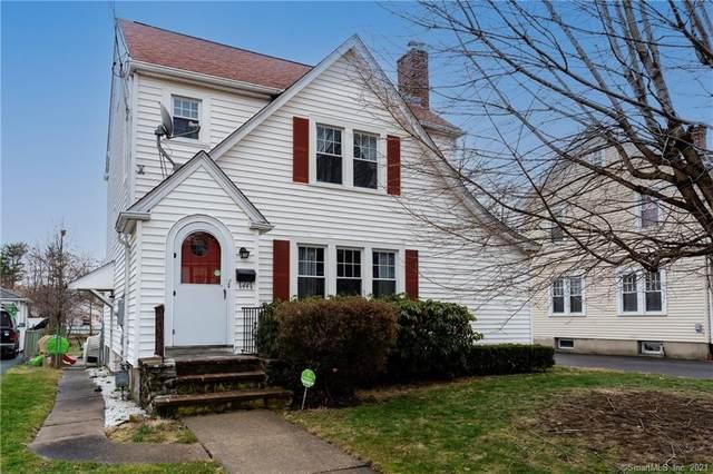 44 Cambridge Street, West Hartford, CT 06110 (MLS #170383939) :: Spectrum Real Estate Consultants