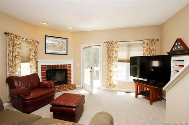 45 Copper Creek Circle #45, Newtown, CT 06470 (MLS #170384238) :: Kendall Group Real Estate | Keller Williams