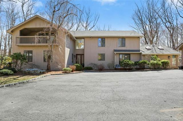 15 Treadwell Court, Weston, CT 06883 (MLS #170384558) :: The Higgins Group - The CT Home Finder