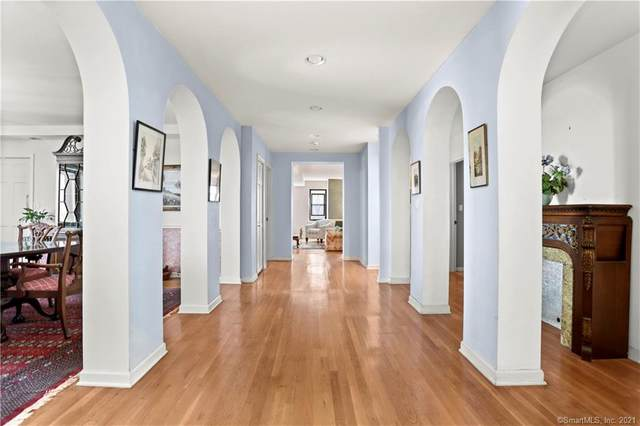 15 Lafayette Court 6A, Greenwich, CT 06830 (MLS #170385317) :: Kendall Group Real Estate | Keller Williams
