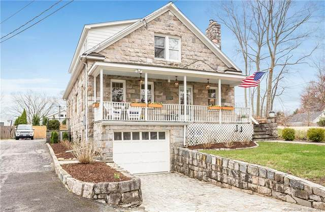 88 Hecker Avenue, Darien, CT 06820 (MLS #170386274) :: The Higgins Group - The CT Home Finder