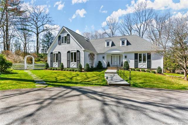 4 Wahackme Lane, New Canaan, CT 06840 (MLS #170386968) :: Team Phoenix