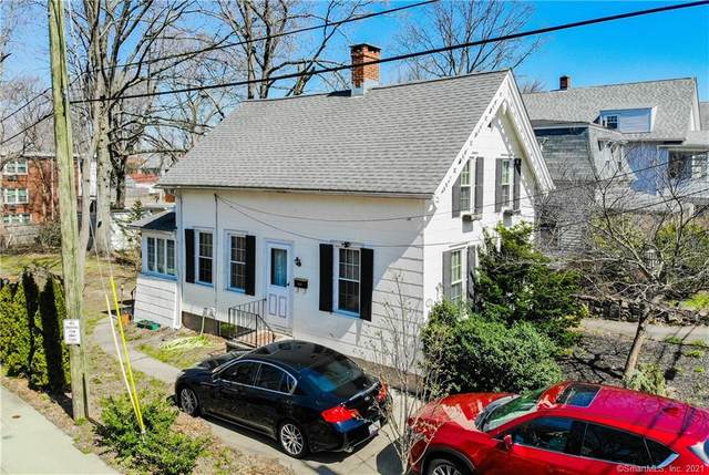 31 Willard Street, New Haven, CT 06515 (MLS #170387347) :: Carbutti & Co Realtors