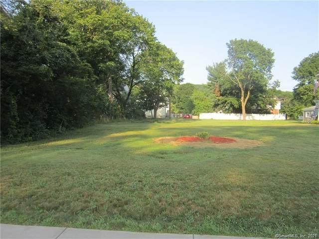 1686 Litchfield Turnpike, Woodbridge, CT 06525 (MLS #170387383) :: Around Town Real Estate Team