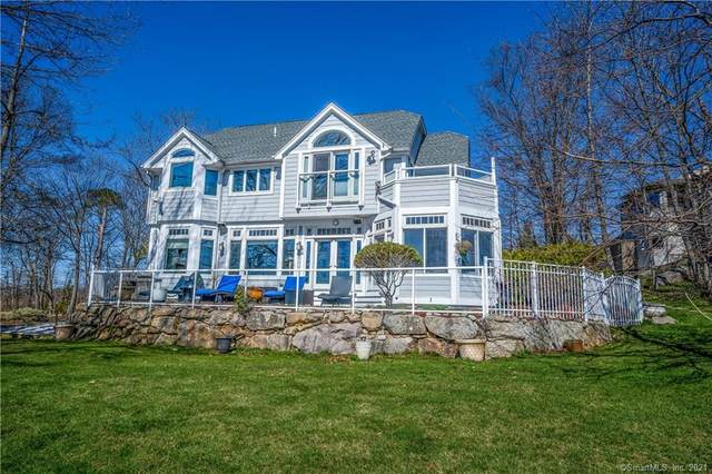 13 Whalers Point, East Haven, CT 06512 (MLS #170388114) :: Carbutti & Co Realtors