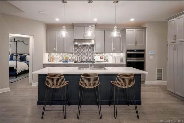 9 Brentwood Circle #92, Danbury, CT 06801 (MLS #170388213) :: Spectrum Real Estate Consultants