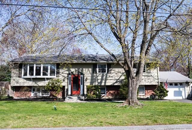 10 College Street, Clinton, CT 06413 (MLS #170389234) :: Michael & Associates Premium Properties | MAPP TEAM