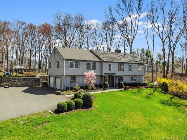 16 Sunset Drive, Weston, CT 06883 (MLS #170389268) :: The Higgins Group - The CT Home Finder