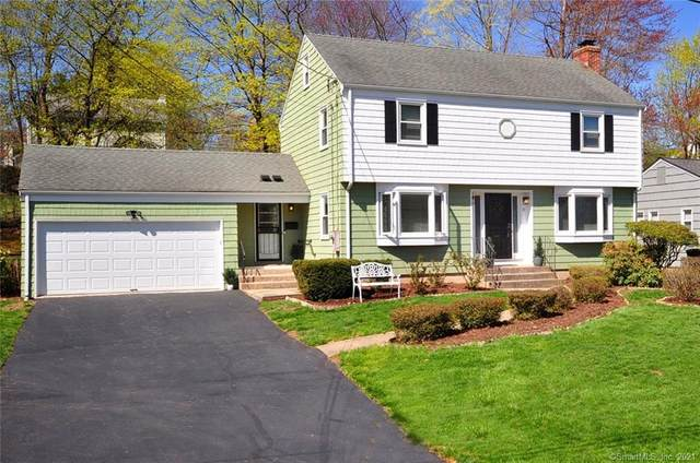 21 Tanglewood Road, West Hartford, CT 06117 (MLS #170389704) :: Around Town Real Estate Team