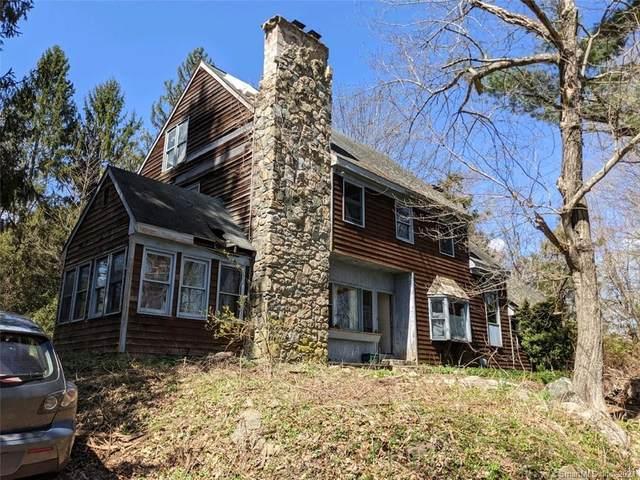 52 Flat Swamp Road, Newtown, CT 06470 (MLS #170391159) :: Spectrum Real Estate Consultants